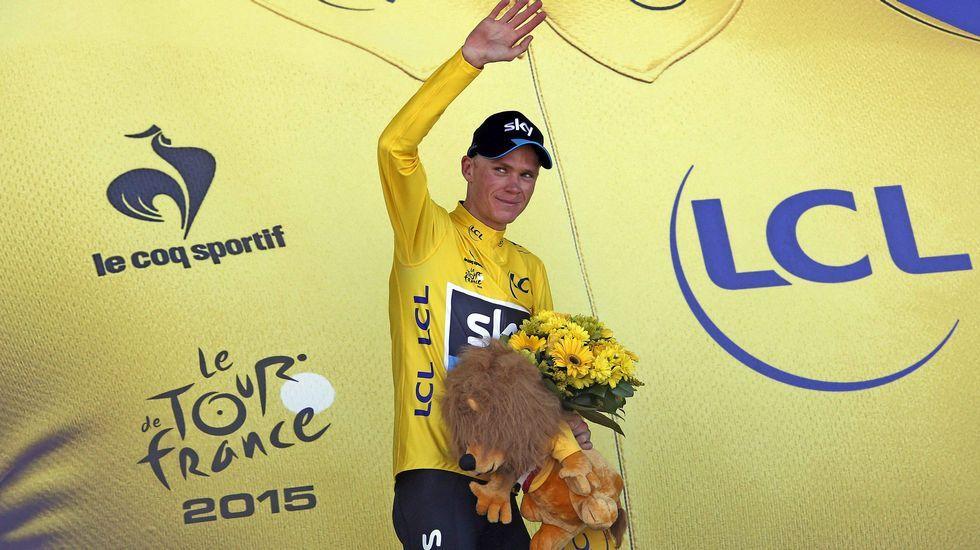El ganador Chris Froome en el podium