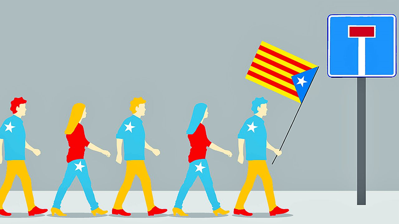 Así digiere Barcelona el día después.Policías nacionales ante la sede del Tribunal Constitucional