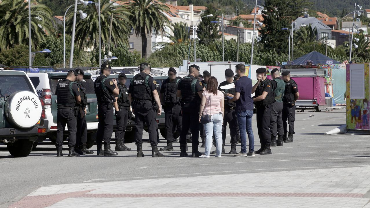 La Guardia Civil desplego ya ayer un importante dispositivo en la localidad barbanzana