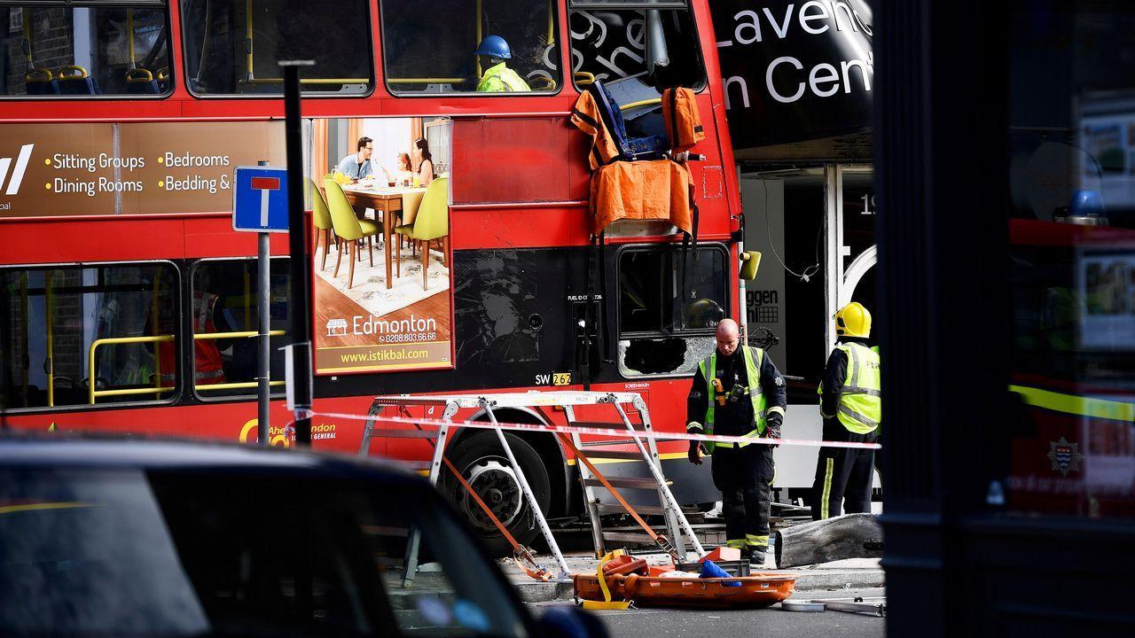 Las imágenes del accidente de autobús en Londres.Damian Green