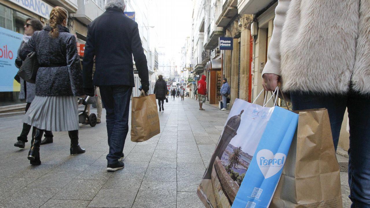 El bum del tráfico de heroína en Galicia ya dispara la demanda para desengancharse.Martiño Noriega, frente a la facultad de Medicina de Santiago