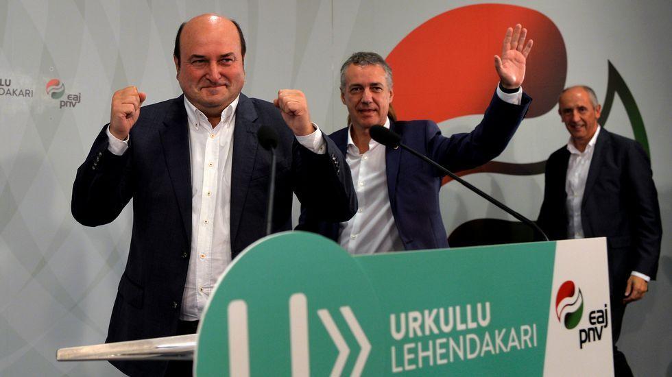 La CUP: «Vamos a votar, aunque encarcelen a Puigdemont y a los 72 diputados».Homenaje de Sortu a un etarra recientemente fallecido