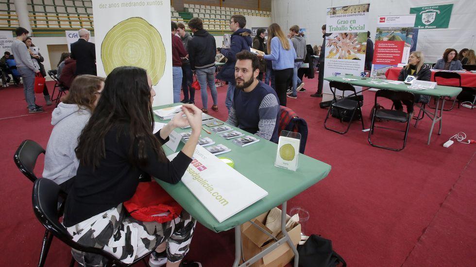 Alumnos, en una jornada de orientación de la Universidad de Oviedo.Alumnos, en una jornada de orientación de la Universidad de Oviedo