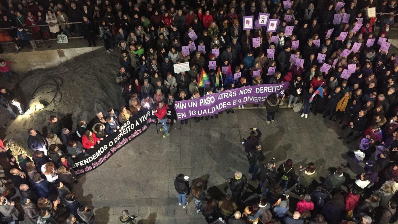 Concentración feminista en Ourense.Cabeza de manifestación del 8M en Gijón