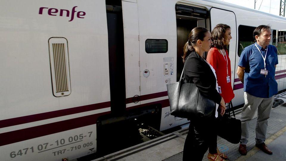 Un tren-hotel se queda parado más de tres horas en el túnel de Vilar do Xestal por una avería
