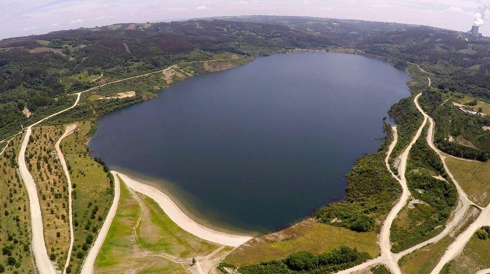 El lago de As Encrobas, el futuro del deporte náutico en Galicia