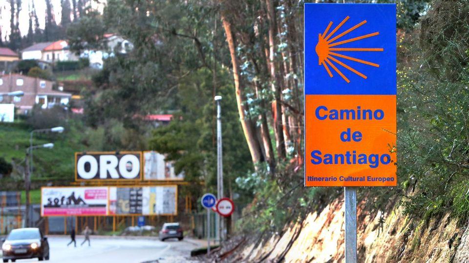 La Xunta siembra de señales del Camino su acceso a Vigo tras decir Caballero que lo haría el Concello