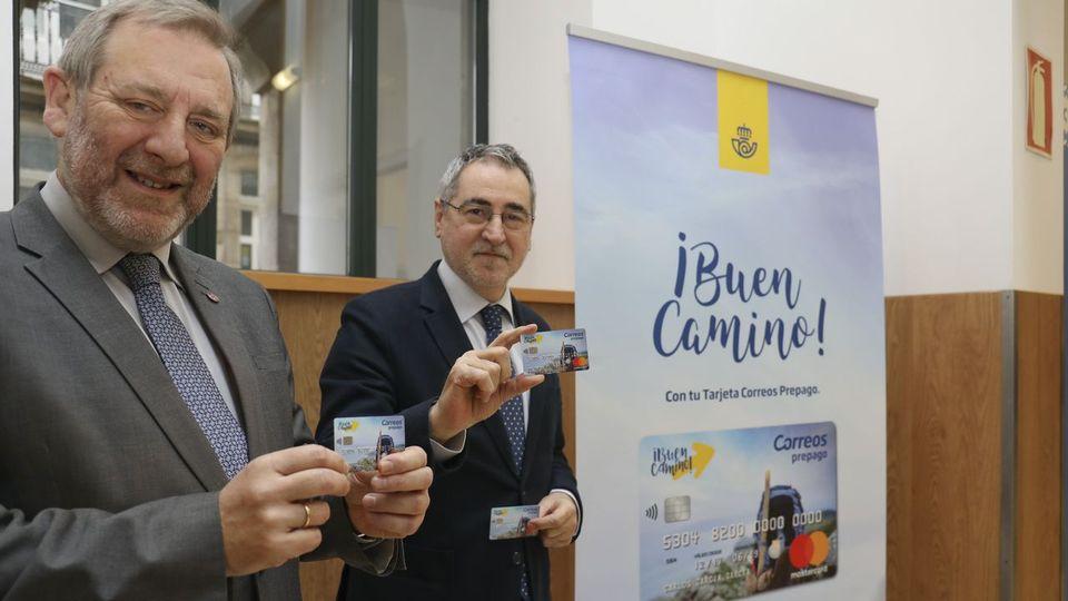 Correos lanza una tarjeta prepago que ofrece a los peregrinos más seguridad con su dinero