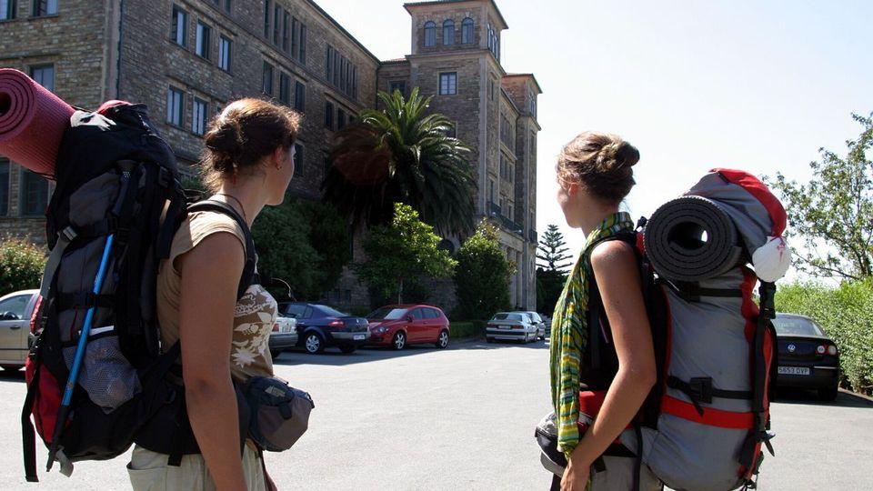 Raxoi modifica el Plan Especial para regularizar la acogida de peregrinos en el Seminario Menor
