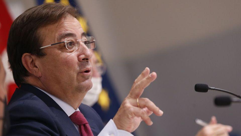 Fernández Vara plantea aplazar la reunión de presidentes autonómicos en Santiago que Feijoo había anunciado