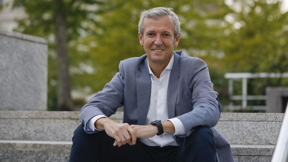 Alfonso Rueda:«Hemos conjurado el peligro de la masificación turística en Galicia»