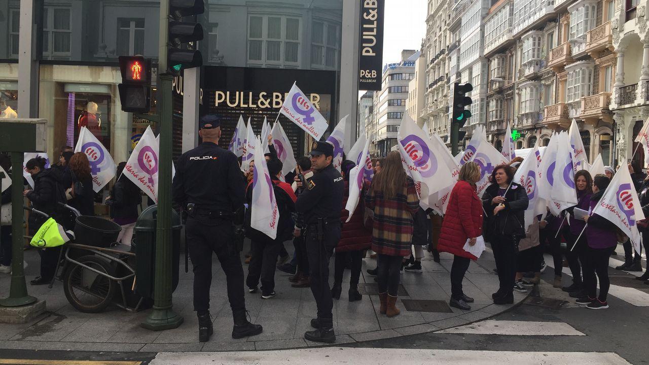 Concentración con incidentes en el centro de A Coruña