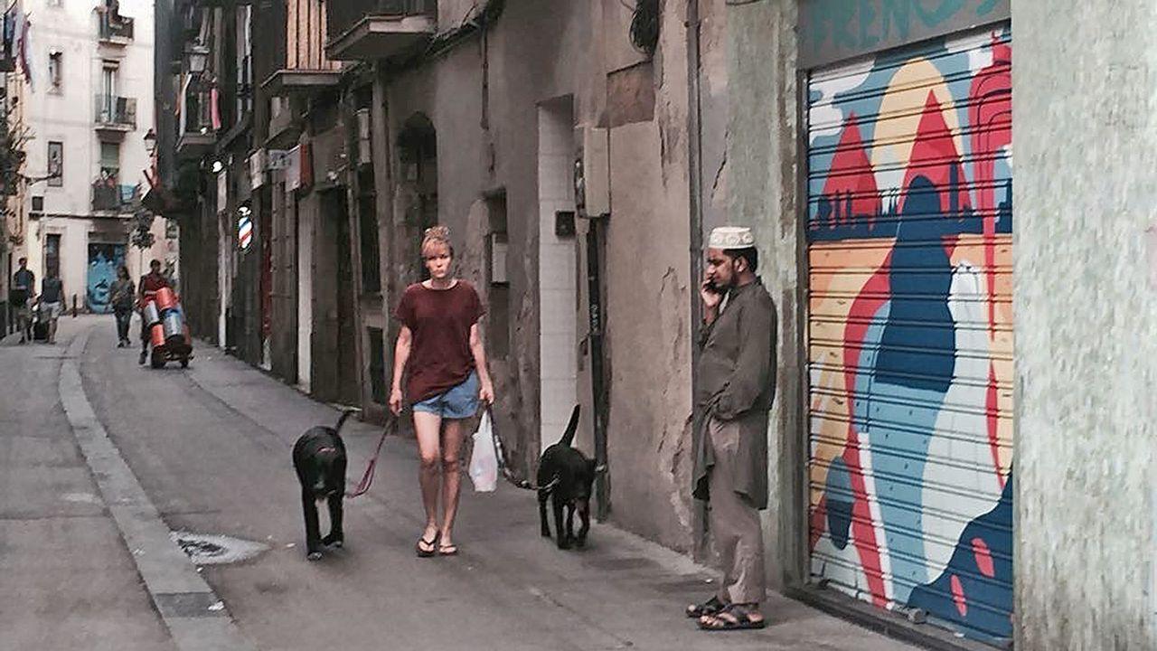 .En el Raval, barrio con una numerosa comunidad musulmana, hay menos turistas y menos bullicio del habitual en estas fechas