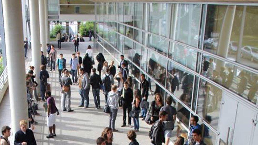 Alumnos en la Academia de Versalles