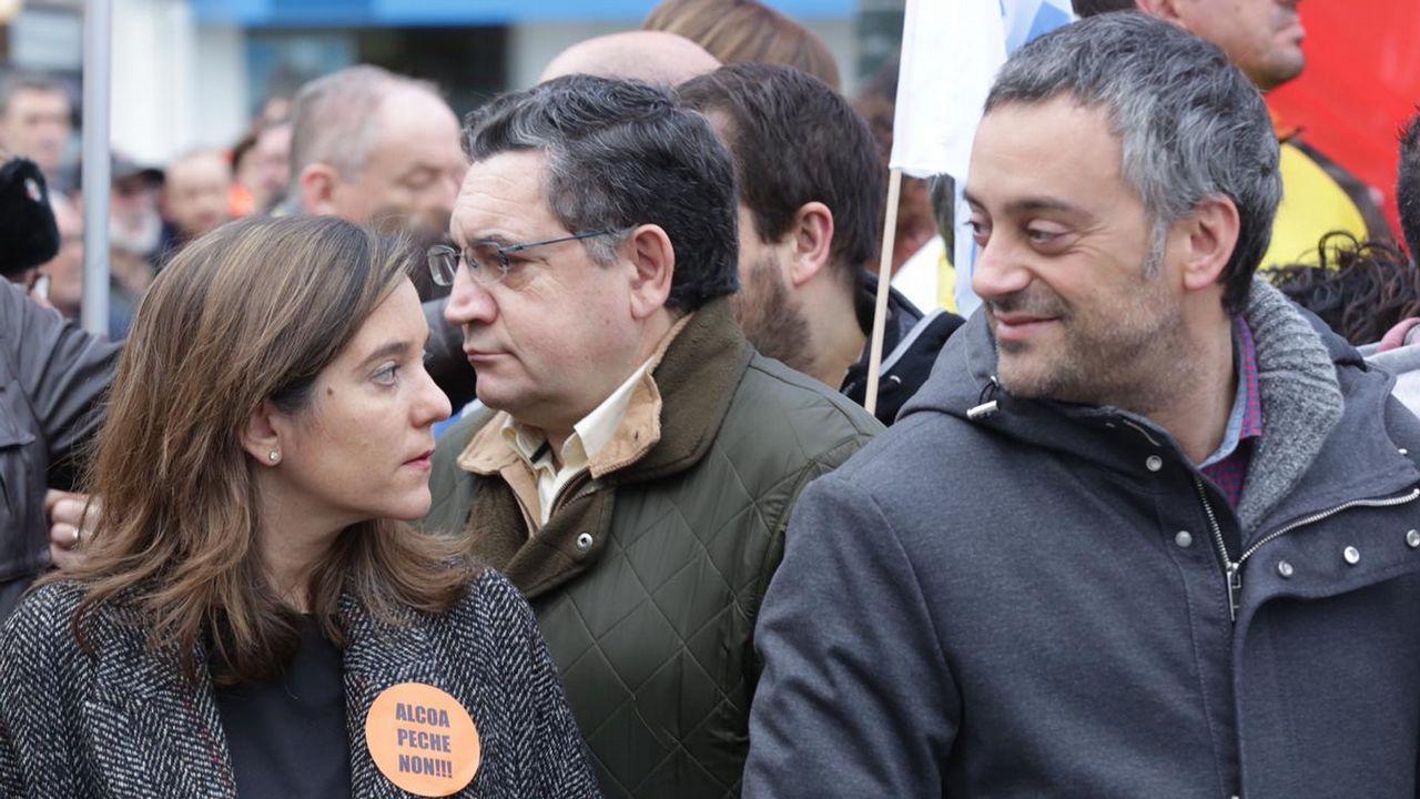 En directo: Viaje de La Voz entre Ferrol y A Coruña por carretera y autopista.Marea Branca, concentración por la sanidad pública en el Obelisco