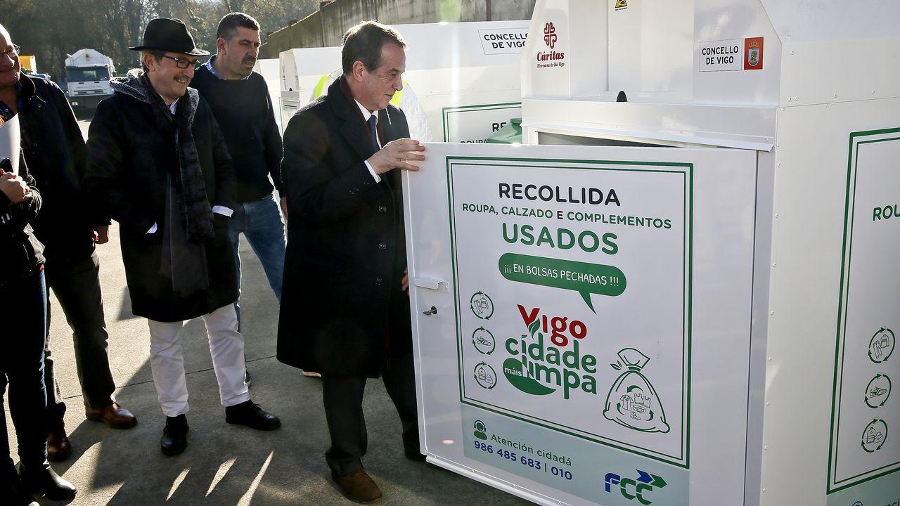 Miles de personas participaron en la Preba de la Sidra de Gascona.Paso de peatones de Oviedo en el que una mujer sufrió un accidente por el hielo