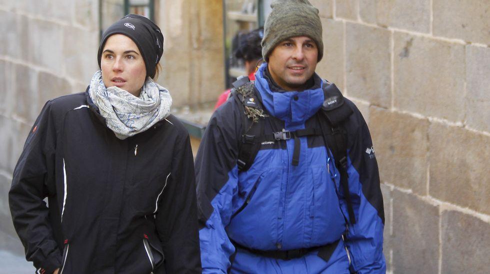 Fran Rivera llega a Santiago acompañado de su mujer, Lourdes Montes