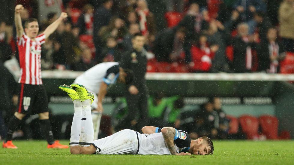 Las mejores fotos del Athletic-Deportivo.Durant se echa mano a la rodilla tras lesionarse en Washington