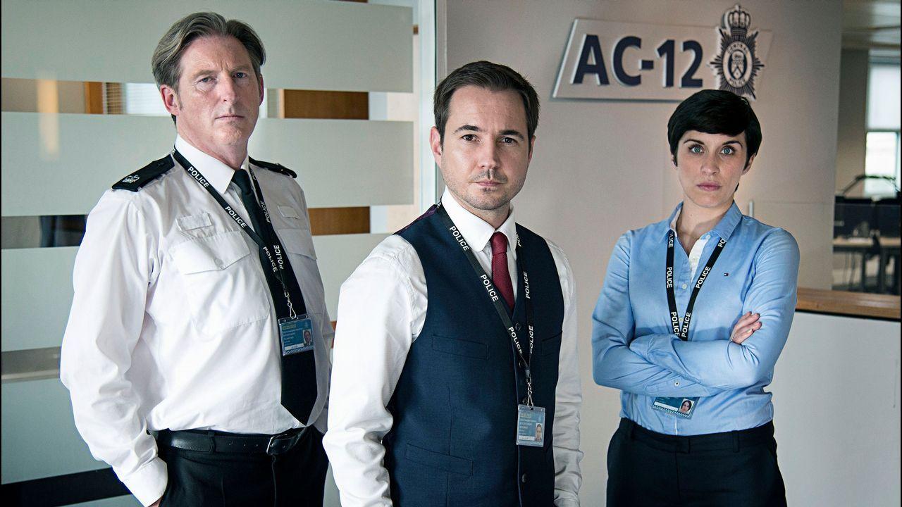 Jenny Holzer en Bilbao.Adrian Dunbar, Martin Compson y Vicky McClure protagonizan «Line of Duty»