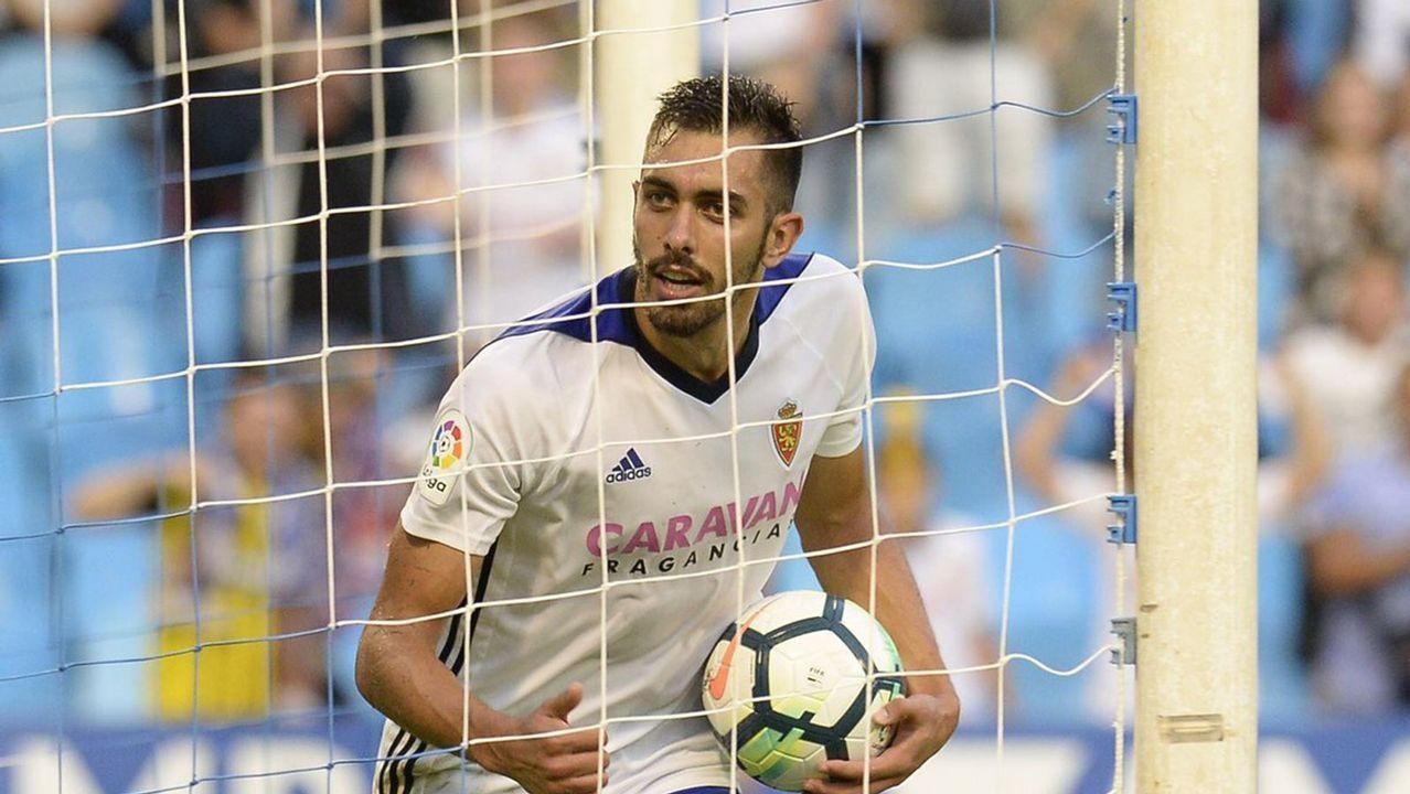 Gol Linares Real Oviedo Lorca Carlos Tartiere.Rayo y Zaragoza antes del encuentro de la última jornada