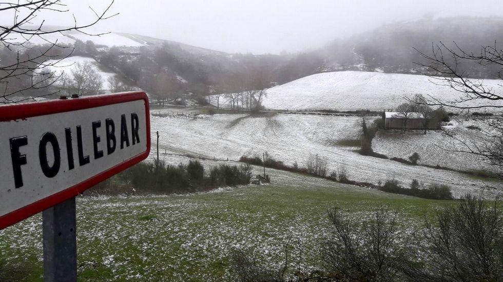 Las zonas más altas del sur lucense -como Foilebar, en O Incio- se cubrieron en gran parte de nieve