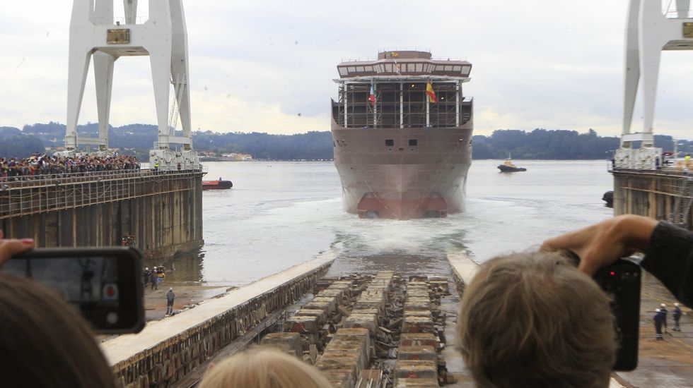 Navantia bota en Ferrol el flotel para Pemex