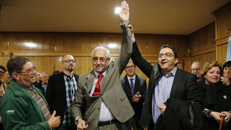 Ourense celebra la Constitución.Antonio Pérez festejando con Manuel López su llegada a la alcaldia, puesto que ocupó unos meses