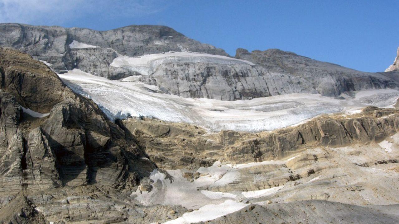Neveros de Picos de Europa.Neveros de Picos de Europa