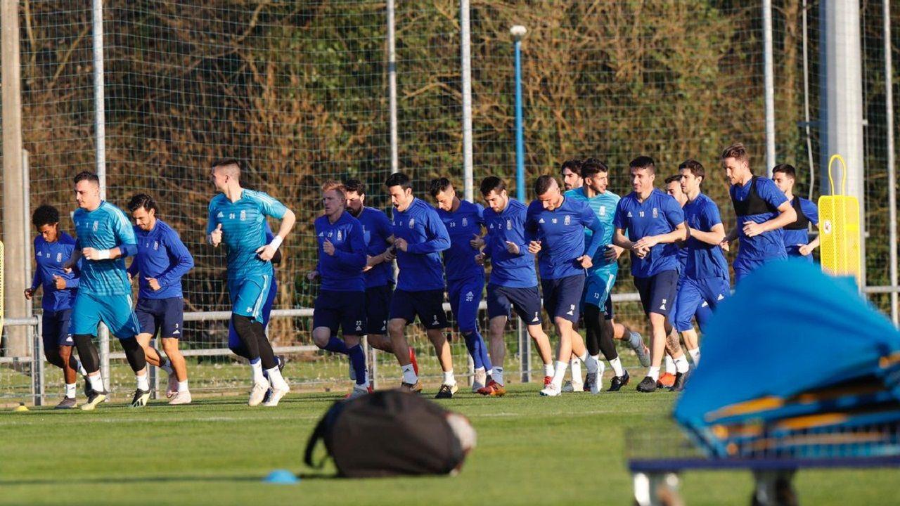 Tejera Javi Munoz Cadiz Real Oviedo Carranza.Los jugadores del Oviedo en El Requexón