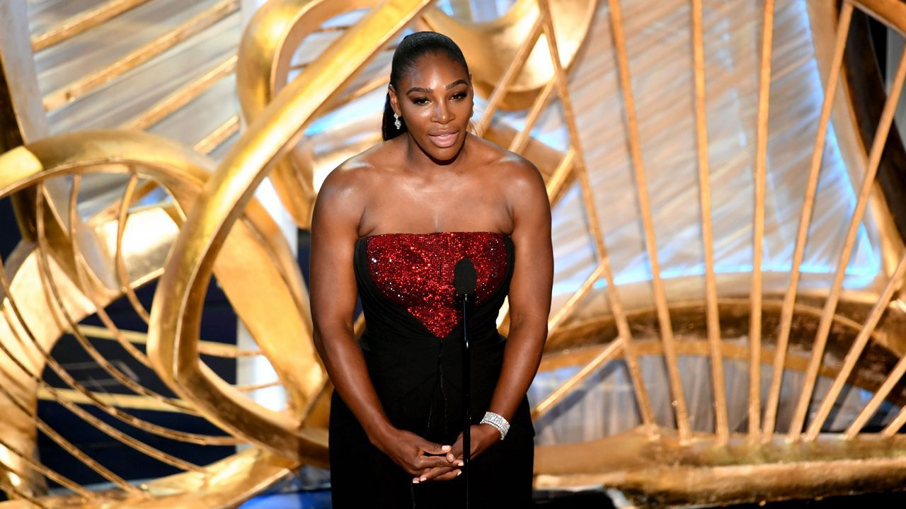 La tenista Serena Williams ha presentado la película Ha nacido una estrella.
