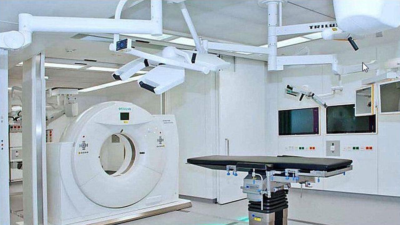 Cunqueiro.Imagen de pacientes trasladados al hospital hace tres años, durante la apertura