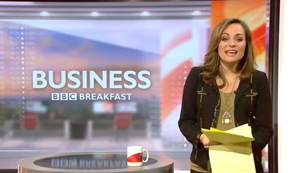 Una presentadora casi rompe aguas en directo.El actor Ed Westwick