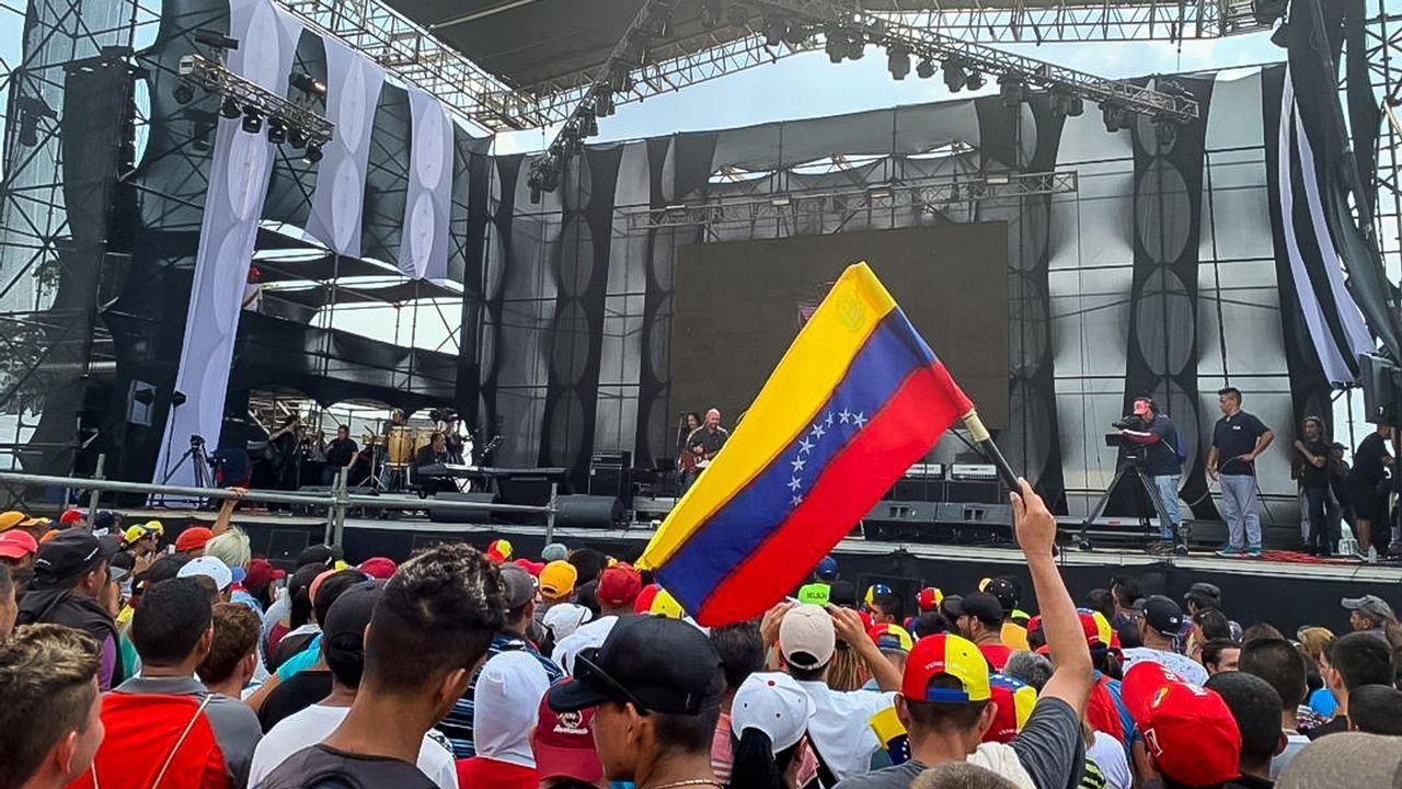 Vista del escenario para el concierto que el Gobierno de Maduro organizó al otro lado de la frontera, en la localidad venezolana de Ureña