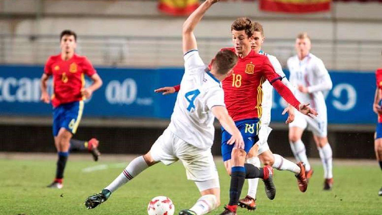 Marc Gual en un partido con España Sub-21