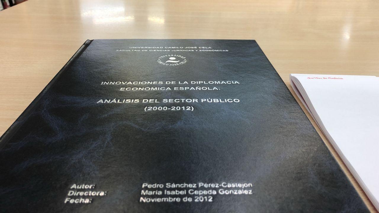¿Está zanjada la crisis de la tesis?.Lo único que permiten fotografiar de la tesis doctoral, la portada