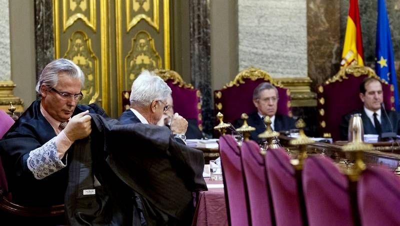 Juicio por los crímenes del franquismo.Muestras de apoyo a Baltasar Garzón ante el Tribunal Supremo