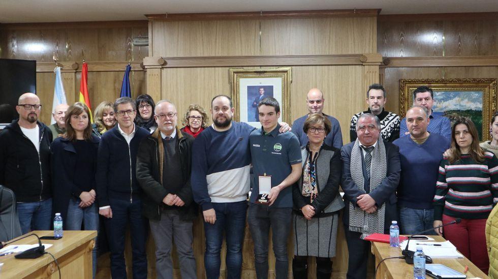 Homenaje a Iván Feijoo en el Concello de Allariz.Aída Nuño celebra su victoria en el Campeonato de España de Ciclocross