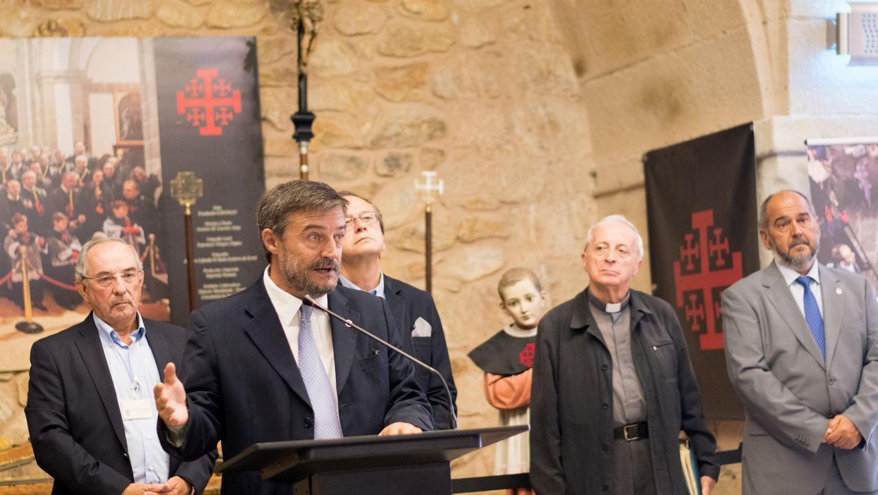 Inauguración de la exposición  Ferrol, cuatro siglos de pasión .Afluencia de gente en el Festival de cultura urbana O Marisquiño del 2017 en Vigo.