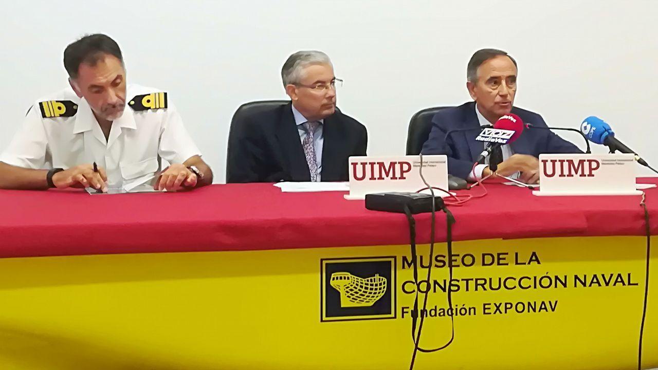 El Rey arrancando el grupo 2 de La Malva con Antonio Mexia y Miguel Stilwell de Andrade