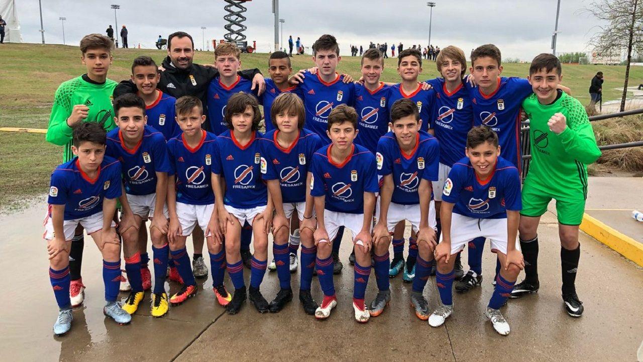 Infantil Real Oviedo Dallas Cup.El Infantil del Real Oviedo celebra el pase a las semifinales de la Dallas Cup