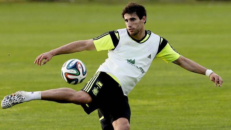 Curitiba se vuelca con España.Scolari señala a Neymar durante la rueda de prensa
