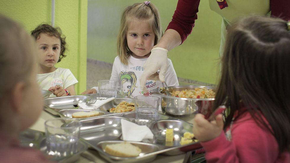 ¿Cómo se preparan cientos de menús escolares?.<span lang= es-es >Actividades a favor de la paz</span>. En los centros escolares ourensanos son habituales las actividades contra la violencia para inculcar desde pequeños valores de tolerancia a los escolares.