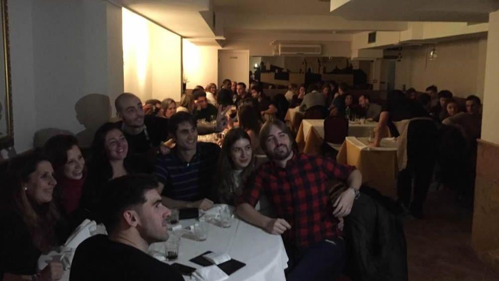 Jóvenes gallegos que residen en Londres participan en una velada en el Centro Galego de la capital