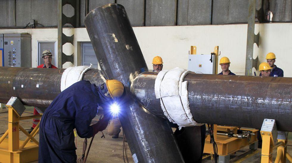 Los trabajadores del astillero ferrolano comenzaron ayer el montaje de las crucetas de las jackets encargados por Iberdrola.