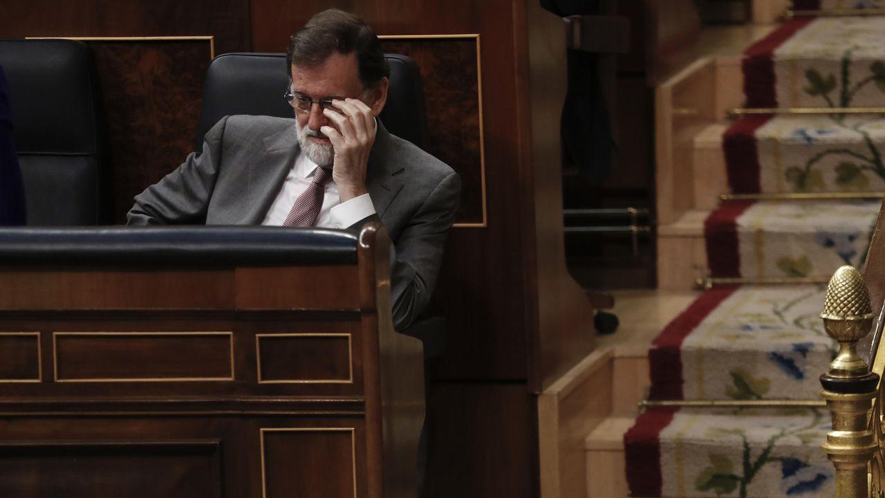 Arrimadas ve «preocupante» que Pedro Sánchez «confunda» Cataluña con Torra.El secretario de Organización del PSOE, José Luis Ábalos, y Patxi López, en un descanso