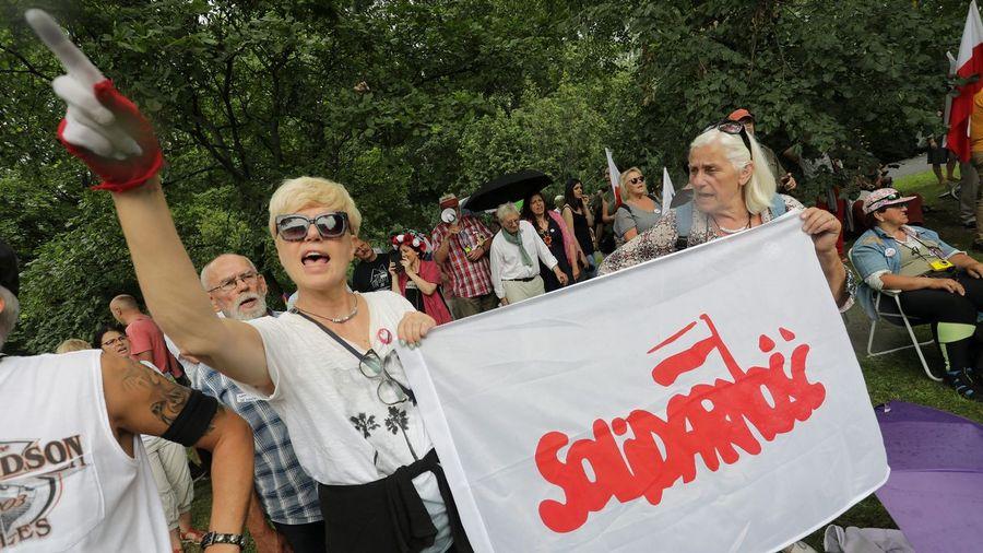 Polonia: conflictos, luchas de clases, sindicalismo, parlamentarismo y elecciones democráticas. Reu_20170721_131132743