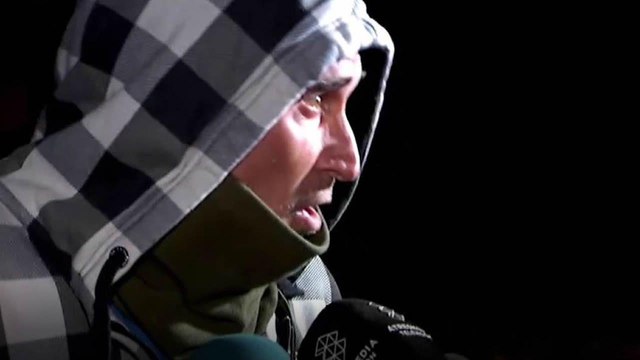 Gregorio Cano sale de prisión tras 20 años de condena por violación.Varios policías se dirigen hacia la entrada de la de sede de la Diputación de Barcelona