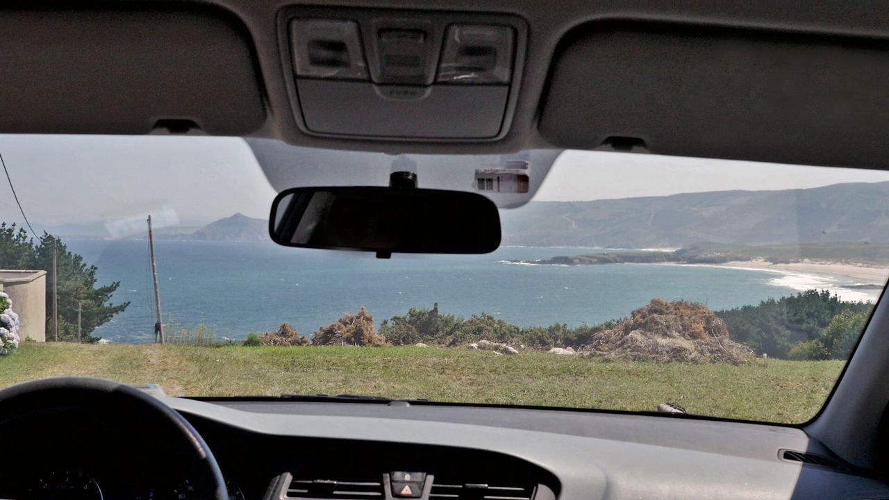 Cinco carreteras para mirar por la ventanilla.El coruñés Alejandro López adquirió una camper por tres motivos: espíritu furgonetero, agilidad y buen precio