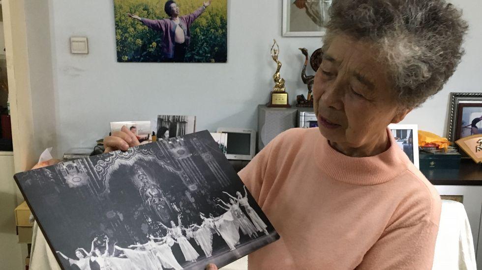 Carolina Bescansa: «Cando sinto que estou na casa me poño nerviosa».D<span lang= gl >omínguez conta a historia da II Agrupación no Macizo Central ourensán</span>