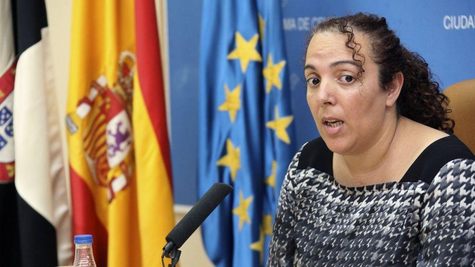 El salto masivo a la valla de Ceuta, en imágenes.La consejera de Educación y Cultura del Gobierno de Ceuta del Partido Popular, Rabea Mohamed